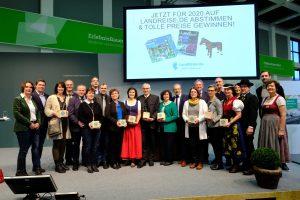 Preisverleihung-Beliebtester-Ferienhof-2019-Gruppenbild